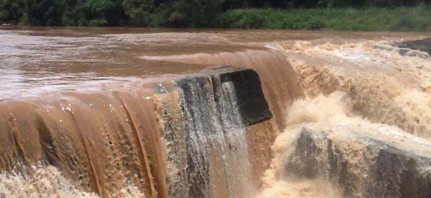 על המים הטובים והמים הרעים בתאילנד – מילון המים הכמעט שלם בתאית: