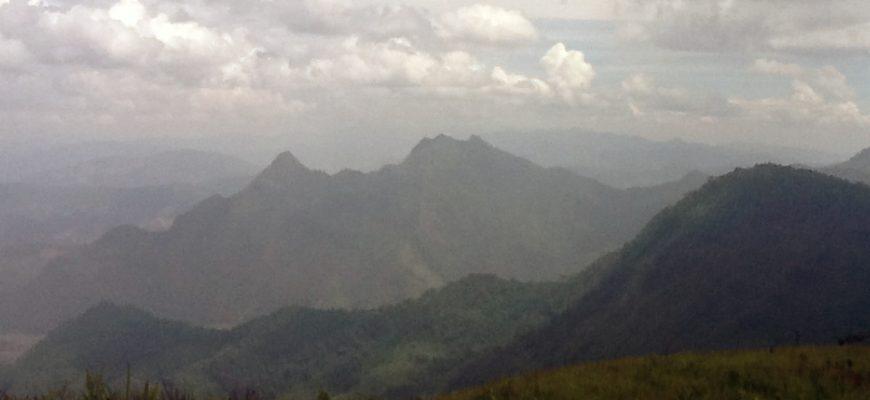 העפילו, העפילו, לראש ההר פו-צ'י-פה העפילו…
