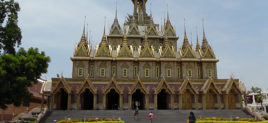 מקדשים בתאילנד – איים של שלווה